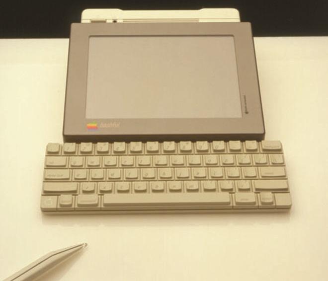 Как выглядел самый первый планшет