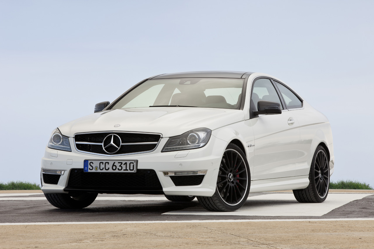 Mercedes unveils 2012 c63 amg coupe techautos for Mercedes benz c63 amg sedan