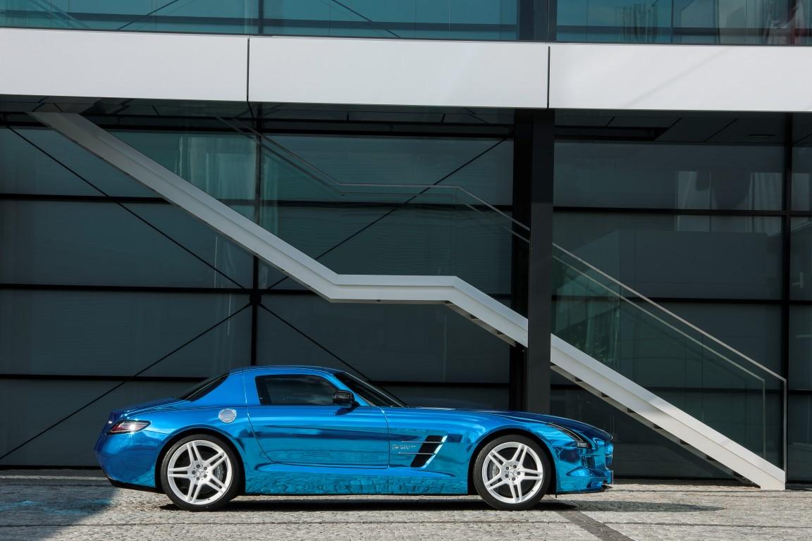 Mercedes unveils 740 hp SLS AMG Electric Drive for 2014  TechAutos