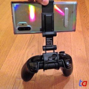 PowerA MOGA Gaming Clip - Mounted